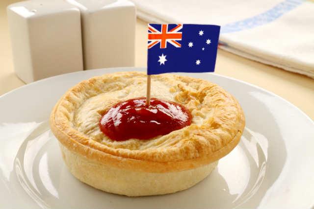 meat-pie-with-aussie-flag
